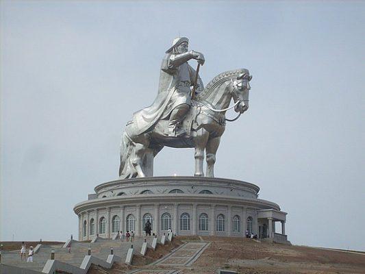1-1280158627-1_genghis-khan-statue1-1